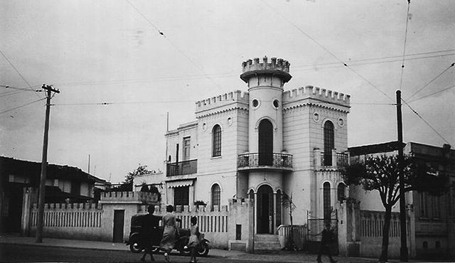 O Castelinho em fotografia de possivelmente em 1930 ou 1931 (clique para ampliar).