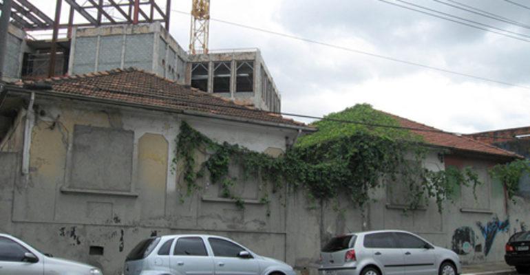 Casas – Rua Padre Adelino, 1200