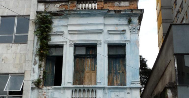 Casa – Rua Genebra, 256