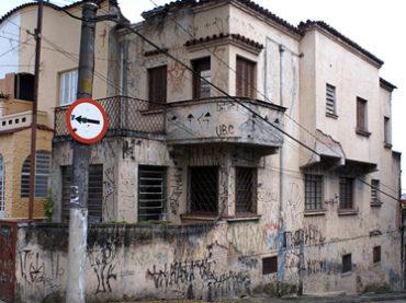 Sobrado – Rua Alfredo Pujol, 355