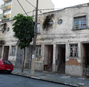 Sobrados – Rua Vitorino Carmilo, 456 a 474