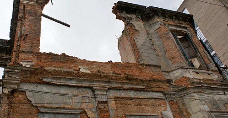 Desabamento atinge Palacete do Barão do Rio Pardo