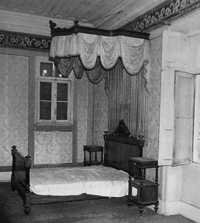 Na foto, um dos dormitórios originais do imóvel, entre o final do século 19 e início do século 20.