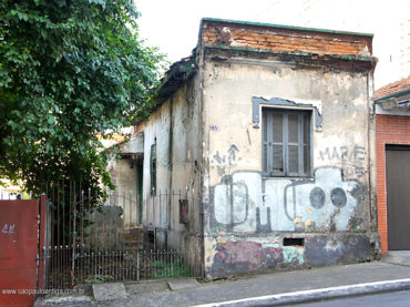 Casa – Rua Osvaldo Cruz, 707