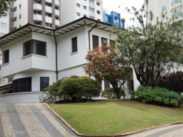 Casarão Demolido – Rua João Moura, 740