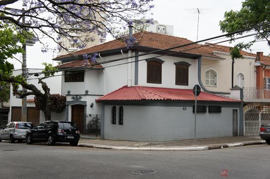 Uma das casas da Rua Conceição Marcondes Silva (clique para ampliar).