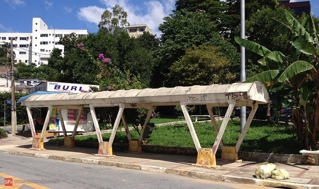 O ponto de ônibus mais antigo de São Paulo