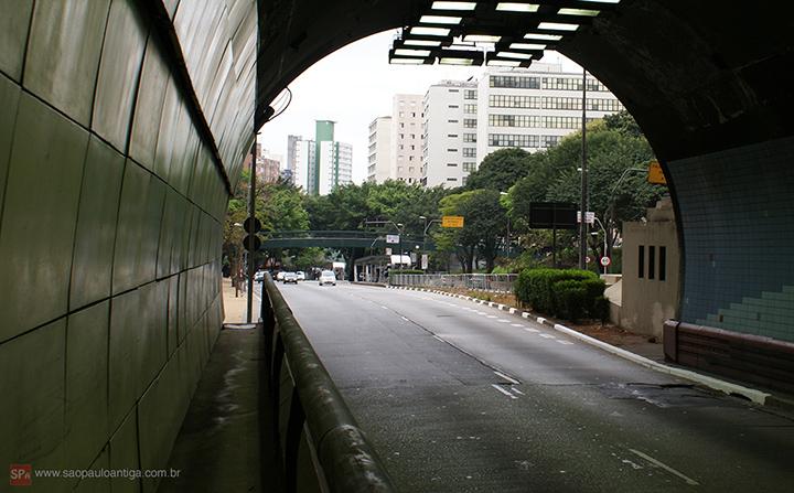 A entrada do túnel em 2013 (clique na foto para ampliar).