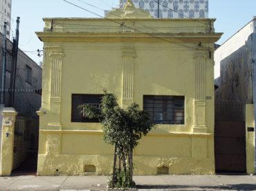 Casa – Rua Lopes de Oliveira, 329/337