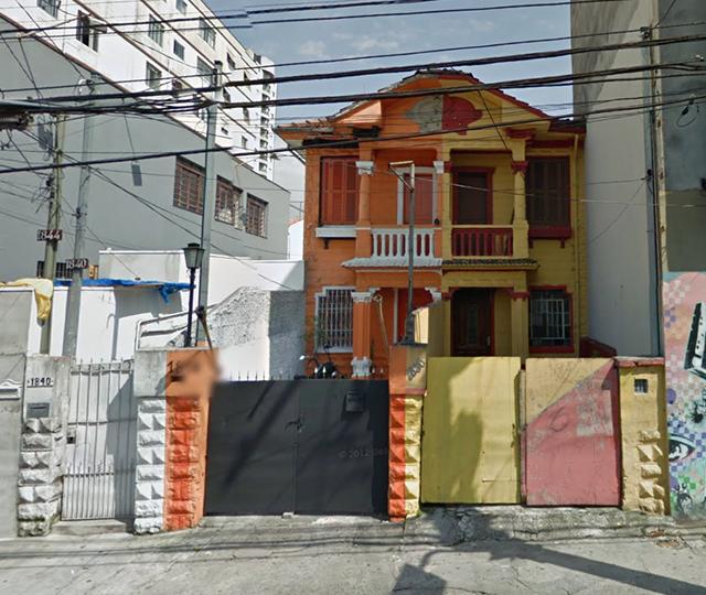 A pintura anterior dos sobrados era assim (crédito: Google Street View)