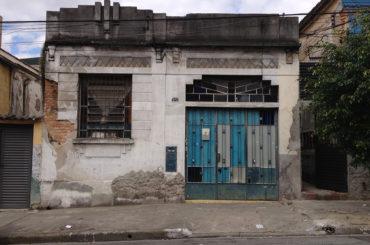 Casa – Rua Sousa Caldas, 242