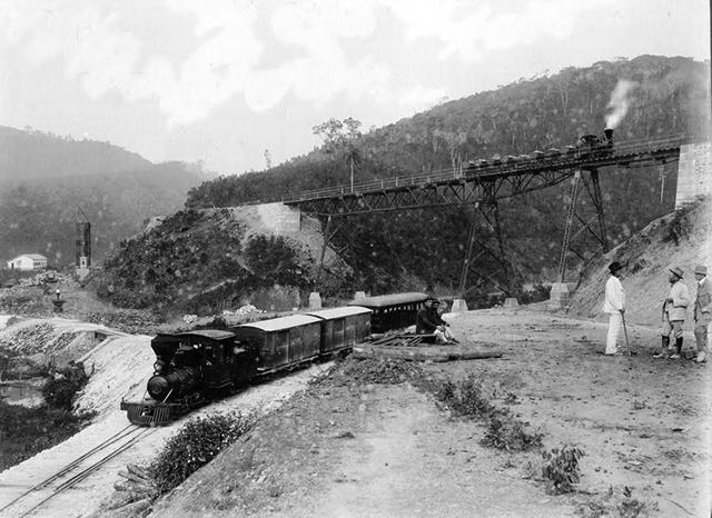 Fábrica de Cal em Gato Preto entre 1910 e 1920 (clique para ampliar).