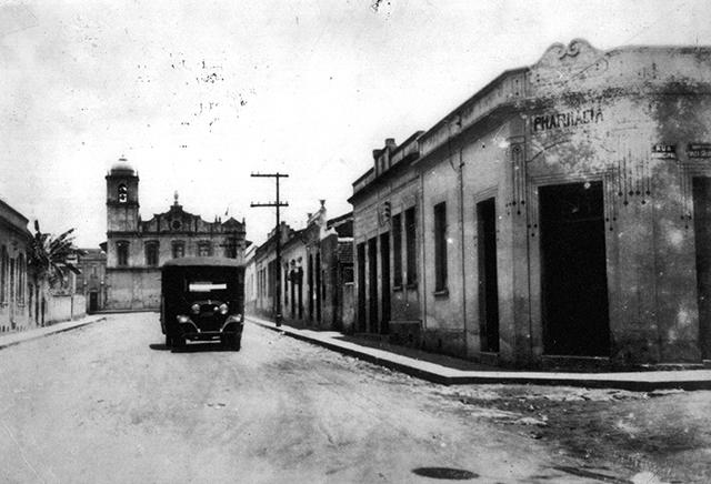 Um centro de Guarulhos pacato nos anos 20 (clique para ampliar).