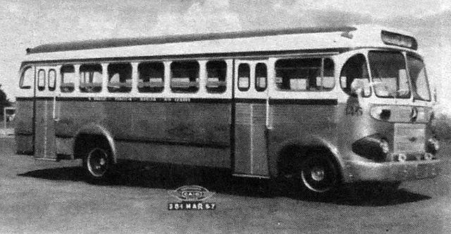 Ônibus carroceria CAIO da E.O Guarulhos em 1957 (clique na foto para ampliar).