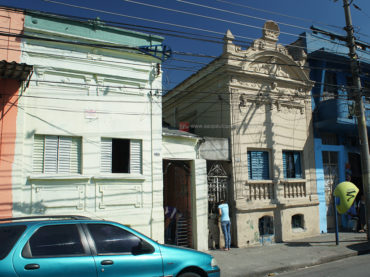 Casas – Rua João Teodoro 638 e 640