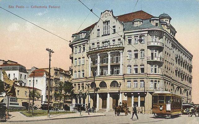 O prédio em 1924 (clique na foto para ampliar).