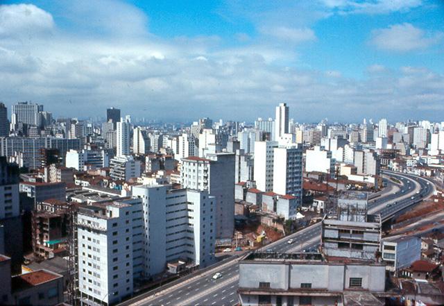 Vista parcial da cidade tirada do alto do Hotel Cad'Oro (clique para ampliar)