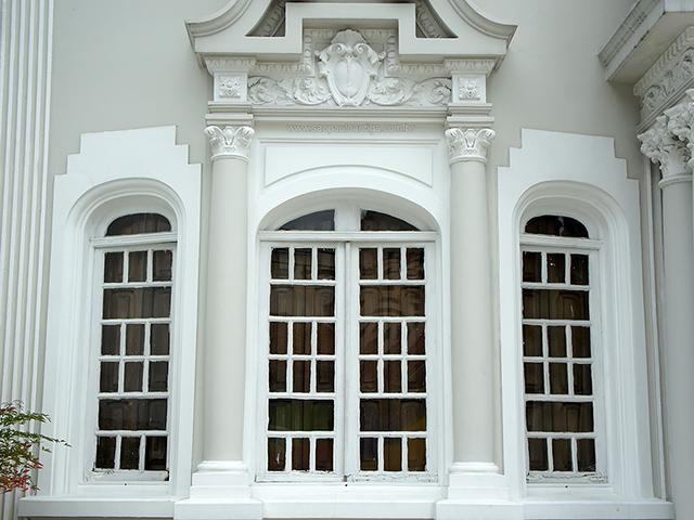 Detalhe das janelas do piso térreo (clique na foto para ampliar)