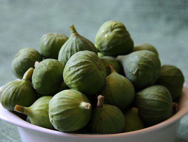 Nossos figos que irão virar uma saborosa sobremesa (clique na foto para ampliar)
