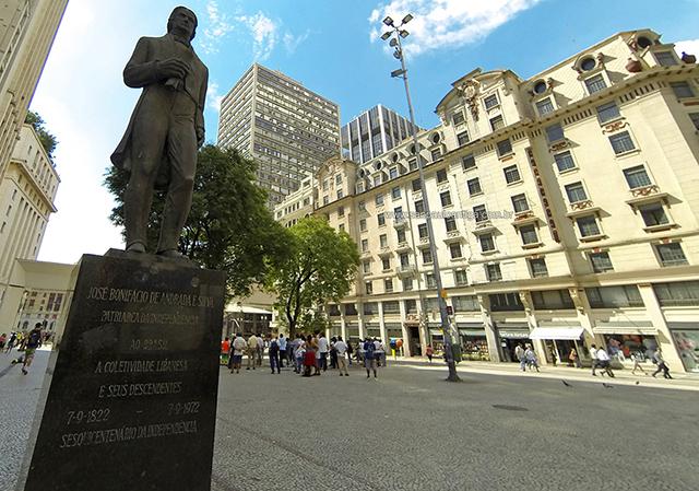 Monumento ao Patriarca da Independência do Brasil (clique na foto para ampliar)