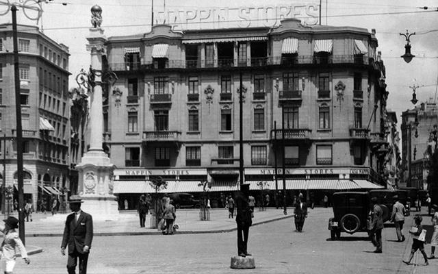 Praça do Patriarca aproximadamente em 1930 (clique para ampliar)