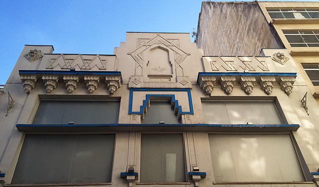 Detalhes da fachada (clique na foto para ampliar)