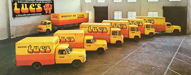 Frota de veículos da Bela Vista personalizados com a marca Tuc's (clique para ampliar)
