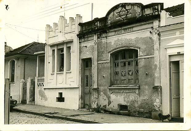 O primeiro imóvel da sinagoga, em 1912