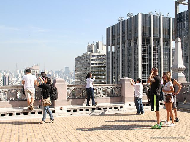 Turistas no Prédio Martinelli (clique para ampliar)