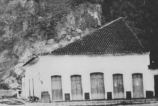 Na foto, o antigo armazém situado no Largo da Misericórdia (atual Praça Mauá)