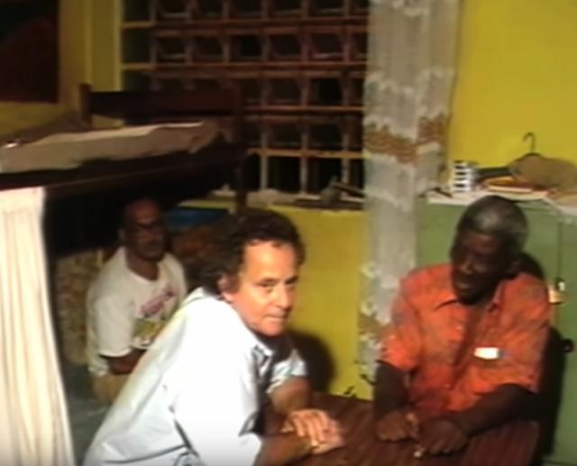 Goulart de Andrade e o detento Lupércio, no Carandiru