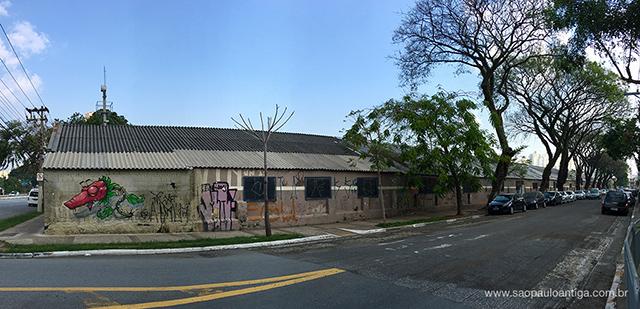 Rua Itajaí e as cocheiras (clique na foto para ampliar)
