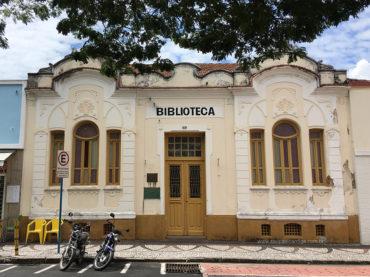 """Biblioteca Municipal """"Carlos Ferreira"""""""