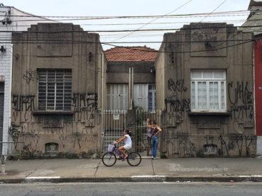 Casas – Rua Javari 227 a 229