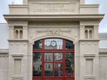 Reconstruída após incêndio, fachada do Liceu encanta