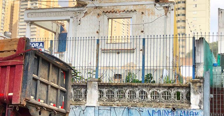 Casa demolida – Avenida Guarulhos, 1598