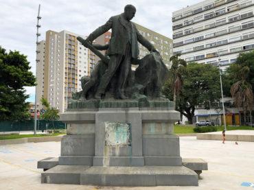 Monumento a Alfredo Maia