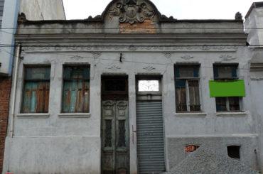 Casas Geminadas de 1921 – Rua Caetano Pinto, 174