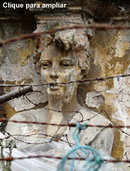 Estátua Aprisionada - Vila Itororó