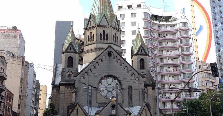 A luta pelo restauro da Igreja de Santa Ifigênia