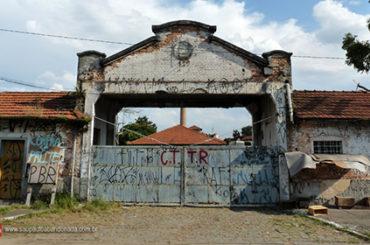 Fábrica Abandonada – Rua Silva Airosa