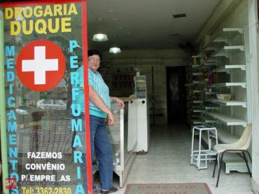 Duque de Caxias – Uma farmácia que adoece
