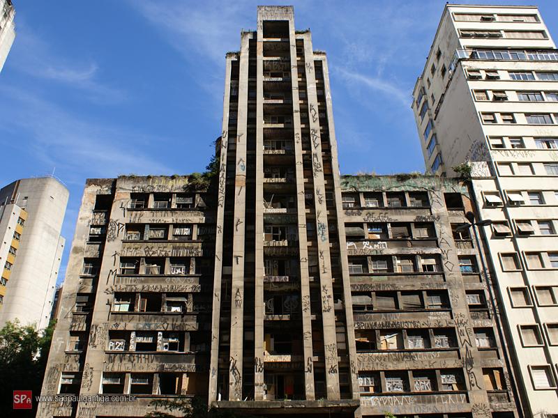 Image result for despejo de moradores de predios invadidos na cidade de sao paulo pela policia militar