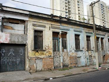 Casas Geminadas – Rua Porto Seguro, 112 a 150