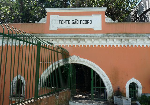 Fachada da Fonte São Pedro (clique para ampliar)