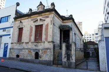 Casarão – Rua Adolfo Gordo, 280