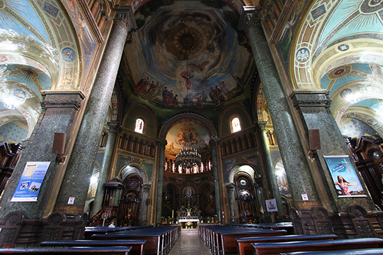 Problemas não ofuscam a beleza da igreja (clique na foto para ampliar).