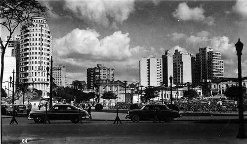 A subestação da Light(centro da foto) na década de 50.