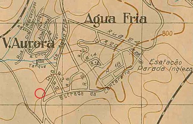 No mapa de 1924, a área dos imóveis é identificada pelo círculo vermelho.
