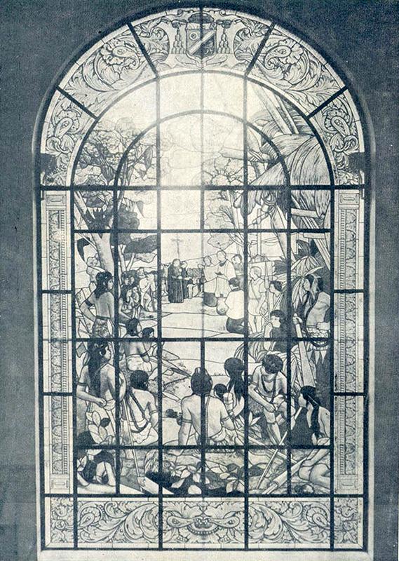 Um dos belos vitrais do prédio, apresentava a primeira missa no Brasil.